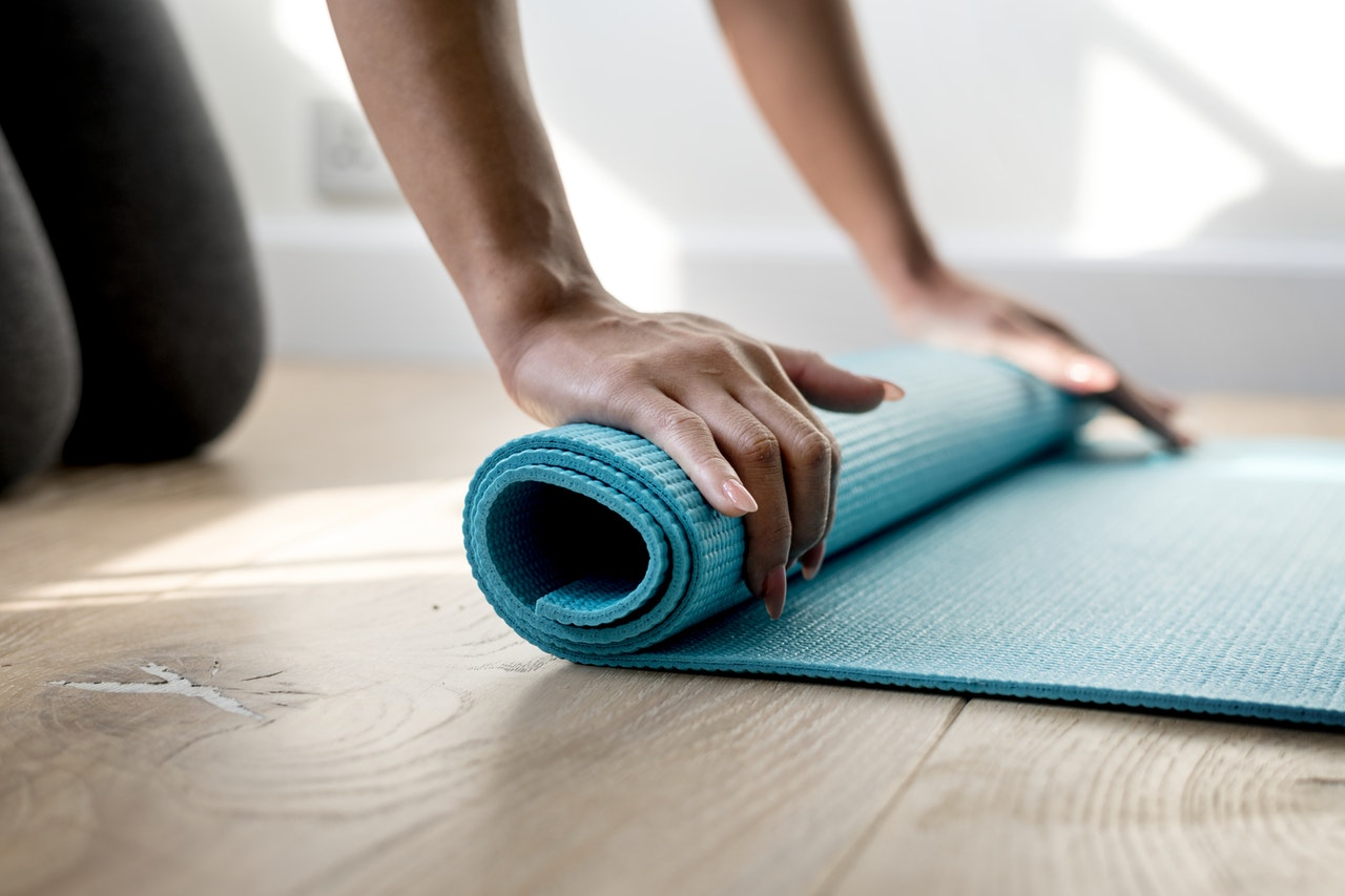 Yoga vs Pilates: How to Choose the Right Activity for You
